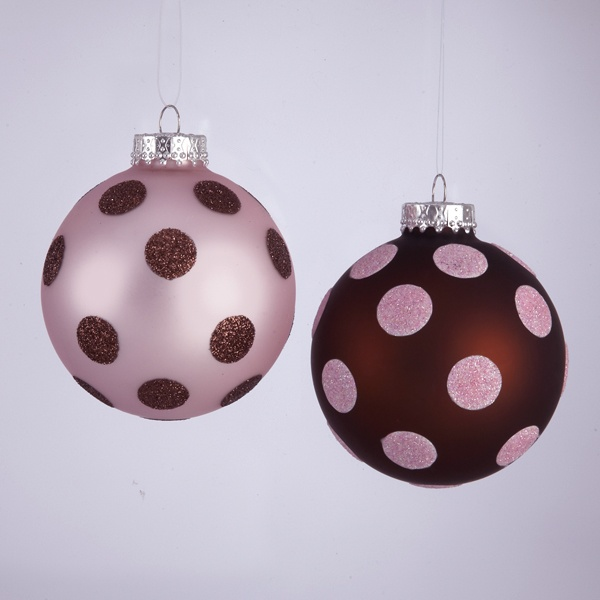 Spotted ornaments.: Kewl Stuff, Decor Ideas, Dots Spots, Dotty Spotty, Polka Spots, Christmas Decor, Hold Area, Christmas Trees, Baby Furniture