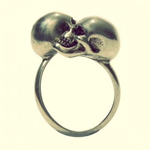 skull engagment rings   Nangise: Buy diamond skull wedding ring #skullweddingrings