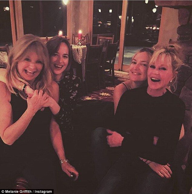 Kate Hudson and Dakota Johnson switch seats sitting next to their mothers: Goldie Hawn & Melanie Griffith