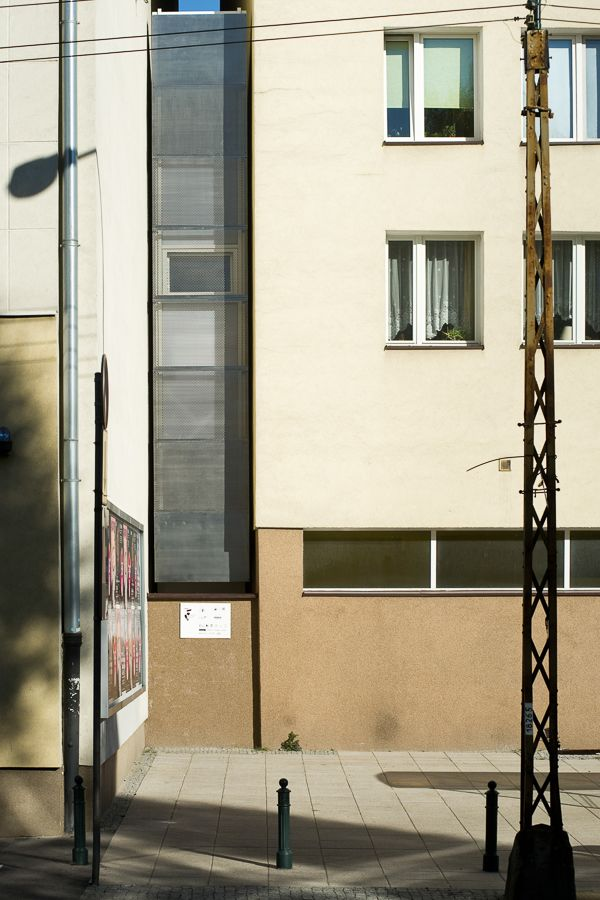 http://designtaxi.com/news/385555/Take-A-Peek-Into-The-World-s-Narrowest-House-Measuring-59-Inches-At-Its-Widest/