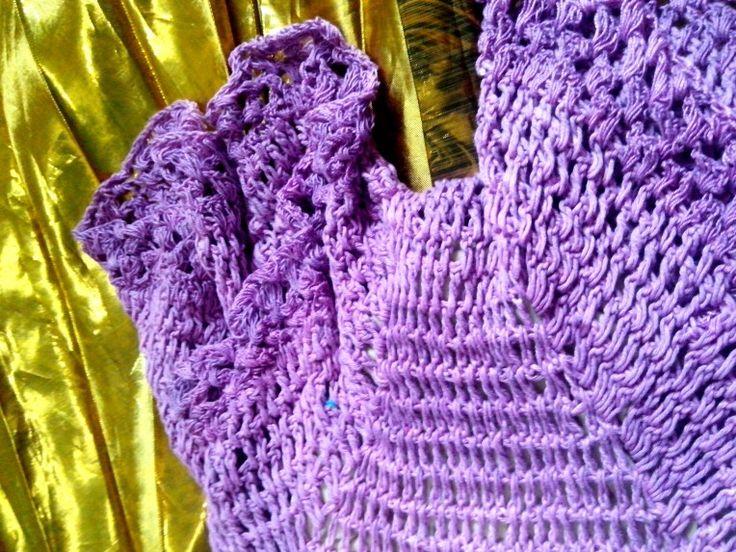 Macacão Roxo de Crochet https://mirelando.wordpress.com/2016/01/18/macaco-roxa-com-asas-douradas/ # Overalls #Purple #crochet #croche #beach #style #fashion #moda