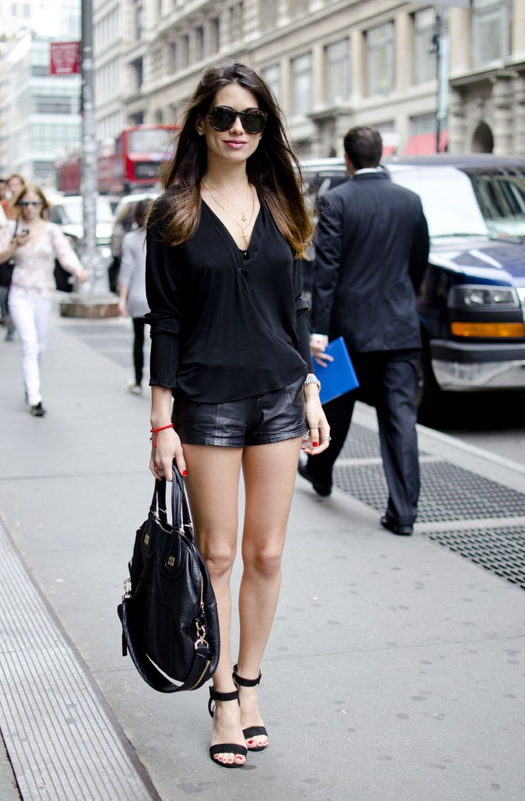 Leather shorts, black blouse, saddles, love!