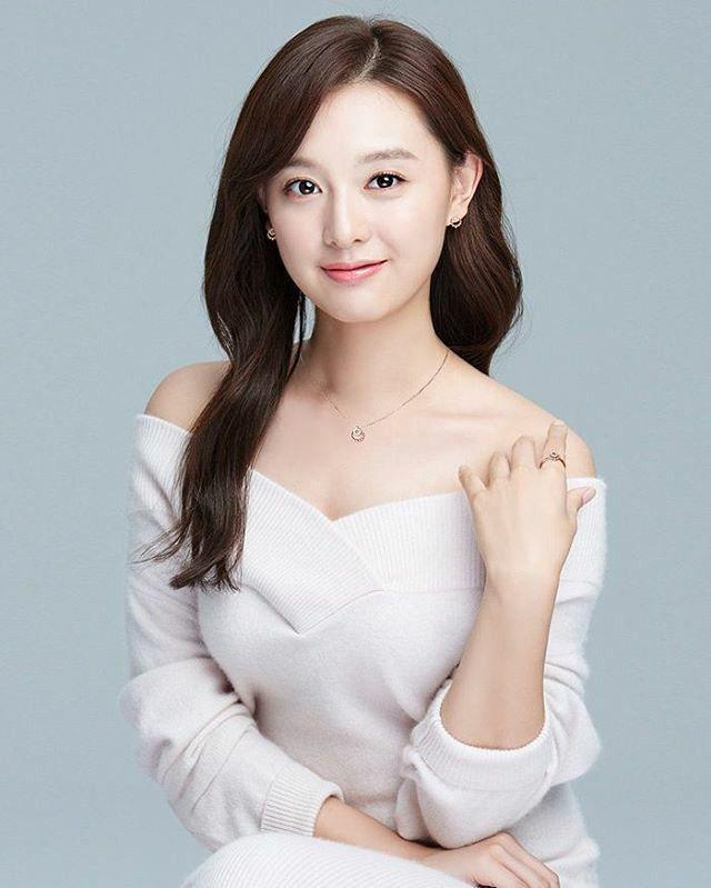352 best Kim Ji Won images on Pinterest | Korean actresses ...