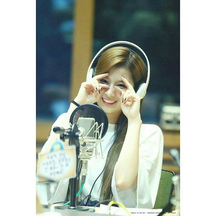 170530 #TWICE #SANA @ MBC FM4U Tei's Dreaming Radio  #TWICEVN #V_ONCE #SIGNAL #트와이스 #원스 #ONCE #TWICE #IMNAYEON #ONCE #TWICE #KNOCKKNOCK #SIGNAL #sana #dahyun #tzuyu #jihyo #jeongyeon #nayeon #momo #mina #chaeyeong  #followme #lfl #likeforfollow #followforlike #like4follow  @jypentartaiment @twicetagram @1197_yunus @minayeon.id @0212_lonce @twice_mina2 @jt_tzuyu.a @onlymina.twice @jypetwice_taiwan @jypetwice_japan @twice_1955_news @once9_twice @twice_mina16 @1once9_twice