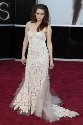 Kristen Stewart Ignores Rupert Sanders' Messages