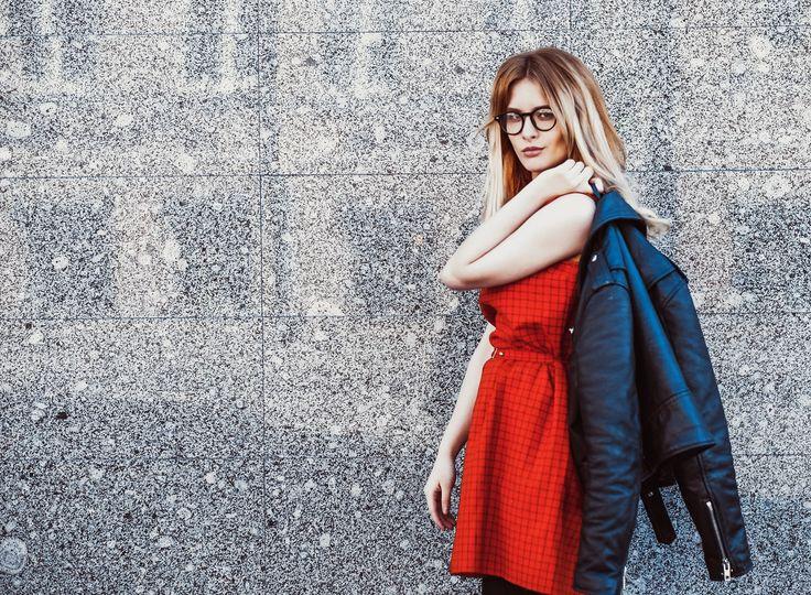 Sie wollen eine günstige Brille, die aber auch etwas hermacht?  Dann sind Sie bei uns genau richtig!  Brillaro bietet über 1000 verschiedenen Brillenfassungen - modern, stylisch und vor allem für jeden Geldbeutel erschwinglich! www.brillaro.de