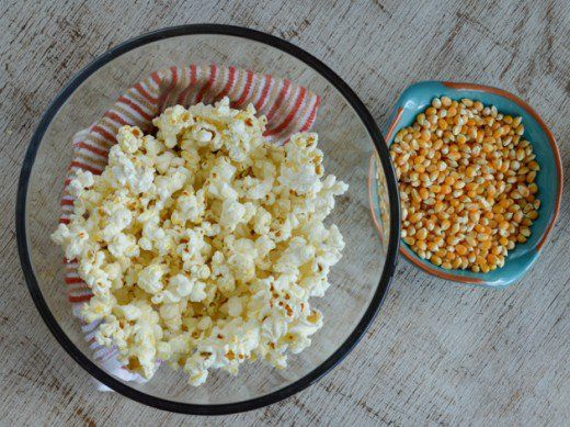 Discover how to make your own, healthy popcorn in the microwave without a bag! It's oil-free and uses equipment you already have at home.