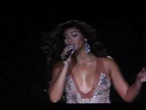 Beyonce live in Moscow (Dangerously in love)
