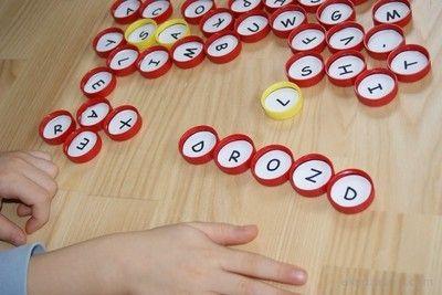 Alfabet dla dzieci z recyklingu - plastikowe nakrętki.  Alphabet for children with recycling - plastic nut.