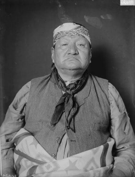 Olohahwalla (aka Well To Follow), a man of the Osage Nation.  1906. No additional information.
