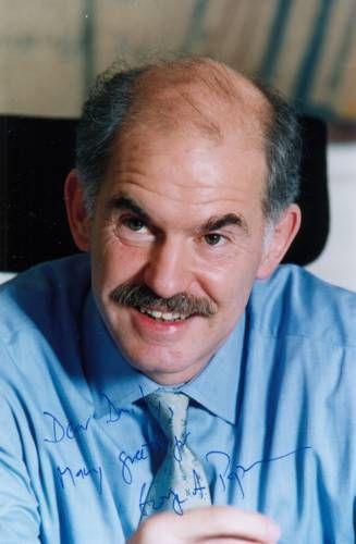 Джордж Папандреу.  Президент Социалистического Интернационала, бывший министр иностранных дел Греции.