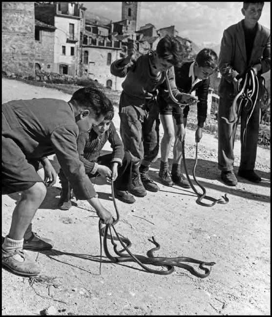 #Cocullo #Abruzzo #Italy. On the road to Cocullo the young snake hunters play…
