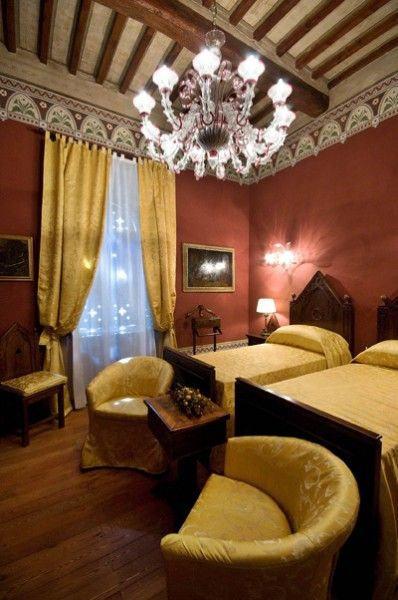 Wonderful twin bedroom in a finely restored #castle in #Umbria
