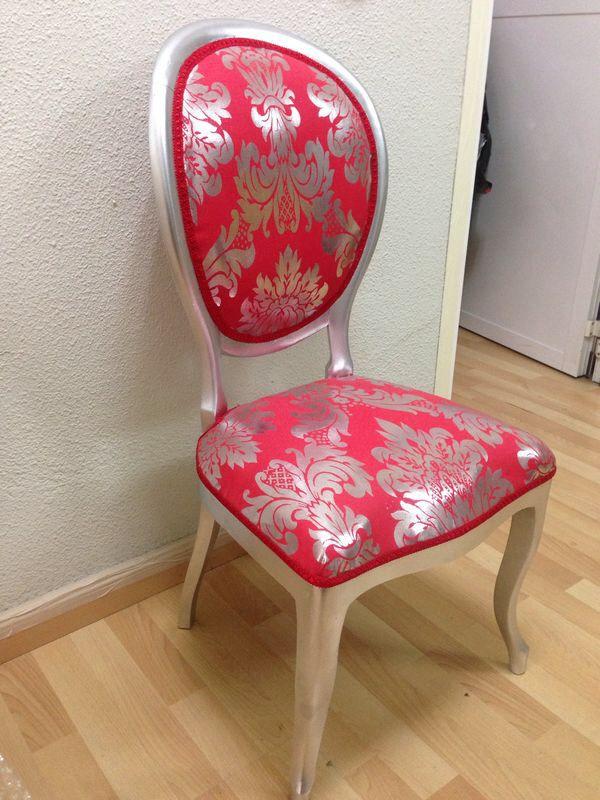 Silla Isabelina plateada con tapicería en rojo y plata. Realizado: Facebook: El Legado de Mémé