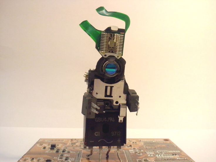 #Phygitales, #Phyci_Digi_Land, #recycled_pcb, #recycled_circuit_board, #robots, #sculpture, #comics, #animation, #recycled_electronics, #recycled_computer_Parts  http://www.phygitales.com/