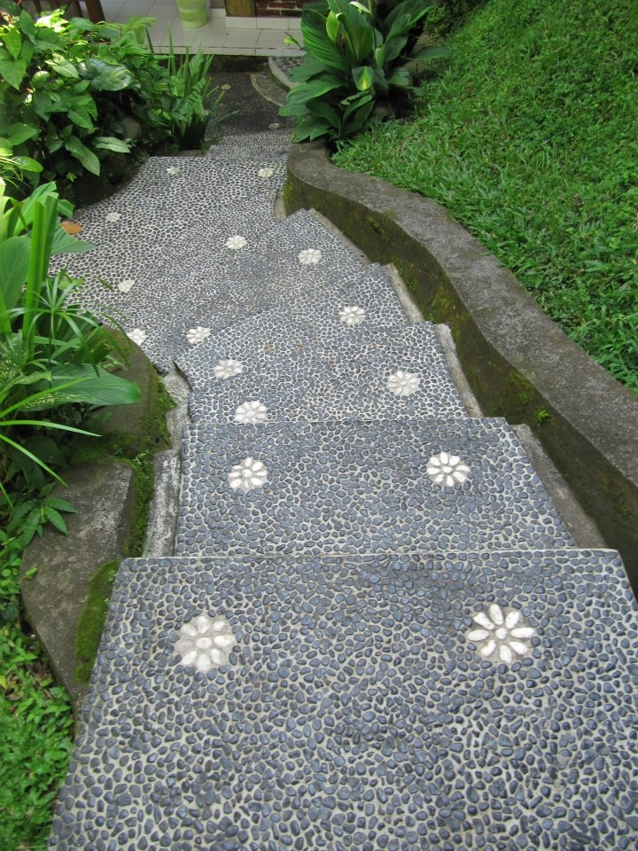 Pebbly path