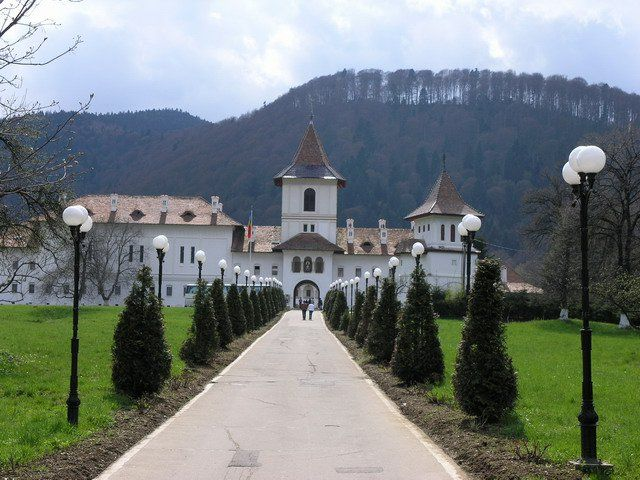 Manastirea Brancoveanu, Sambata de Sus, jud Brasov.