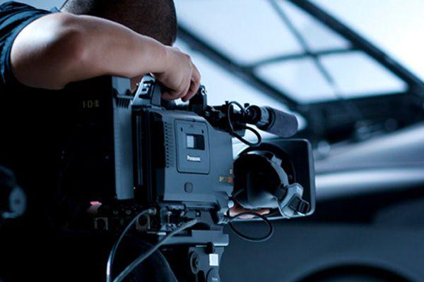 Firmanızın görünürlüğünü arttıracak, sizi dünyaya tanıtacak tanıtım filmlerine sahip olmak ister misiniz? http://www.webhome.com.tr/tanitim-filmi-cekimi/ #tanıtımfilmi #tanıtımfilmiçekimi #webhome #reklam