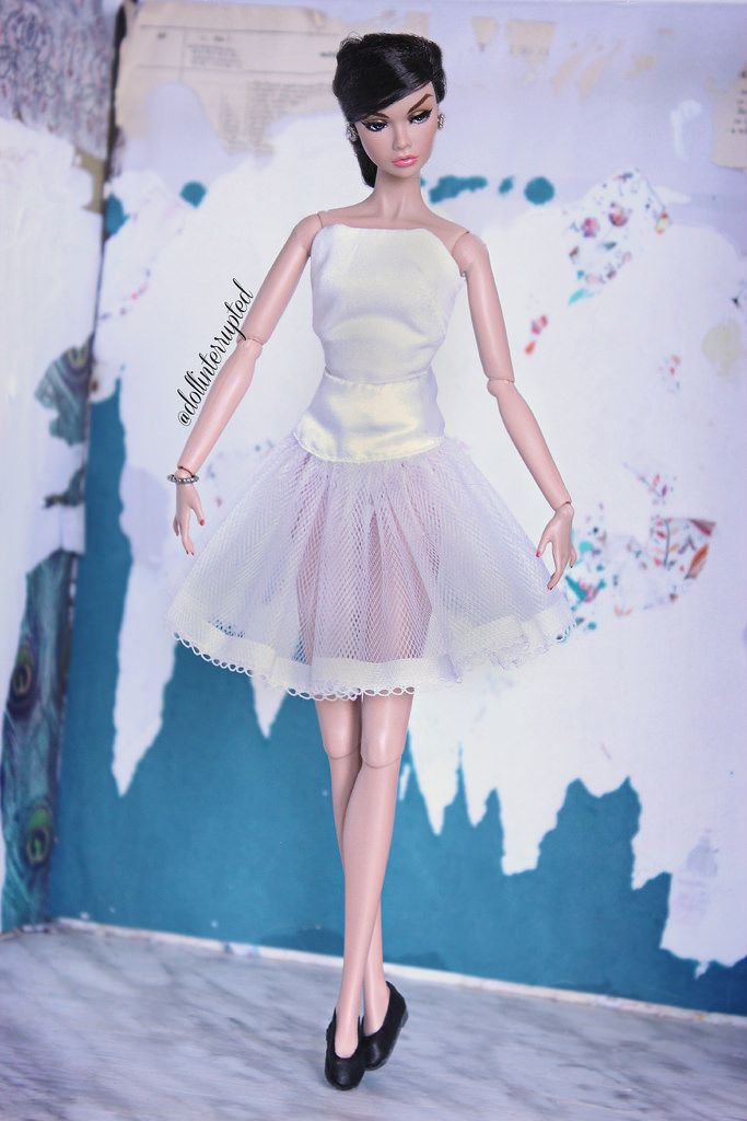 Looking on she sings the songs The words she knows the tune she hums Credits: Joy is a 'Joyous Celebration' Poppy Parker on a 'Nuface' body Top - IT (modified) Skirt - Silkstone (?) Shoes - EmeraldDressforDoll (Flickr) Earrings - IT Bracelet - Poppy's Petites (etsy)