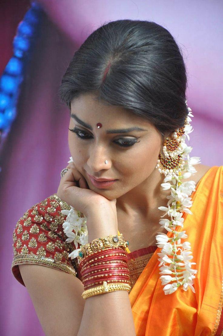 awesome saree blouse for pattu saree