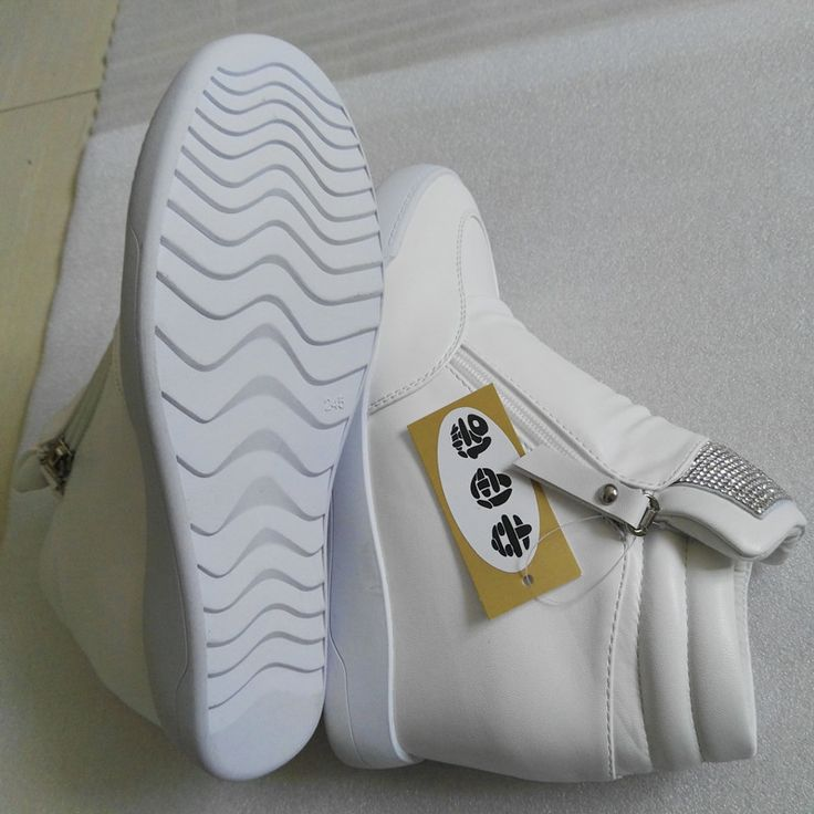 2017 Novos Sapatos de Cunha Saltos Escondidos Sapatos Elevador das Mulheres Sapatos Casuais Para As Mulheres Com Zíper Cunha Preto Branco Prata strass em Vulcanize Sapatos das mulheres de Sapatos no AliExpress.com | Alibaba Group