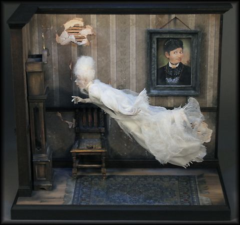 316 best images about miniature haunted house and scene for Haunted house scene ideas