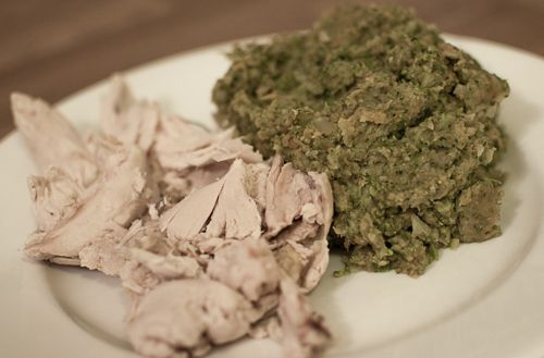 Kylling med brokkolimos - http://www.matbok.no/kylling-med-brokkolimos/
