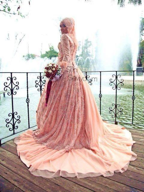 Creo que para ser Dama estaria! Perfect Muslim Wedding