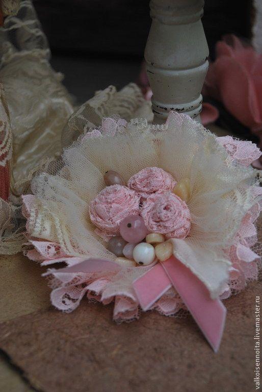"""Брошь """" Rose sugar"""" - брошь,брошь из кружева,текстильная брошь,розовая брошь"""