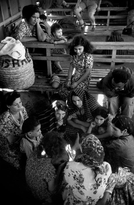 1950  Yemeni Jews. Shaar Aliyah reception center near Haifa (Robert Capa)