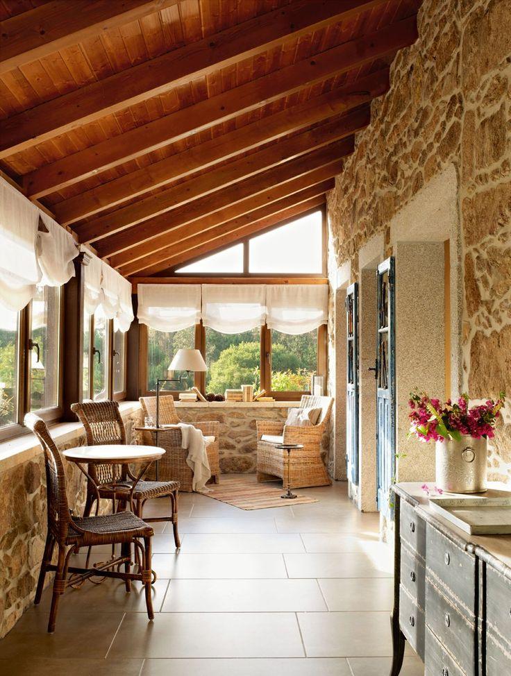 Decoração de: Varanda; teto de madeira; Casa de Valentina