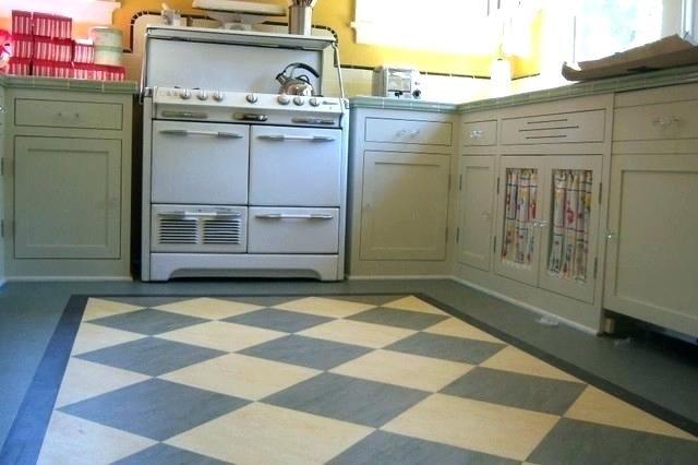 Vintage Style Linoleum Vintage Linoleum Vintage Kitchen Linoleum Floor With Checkerboard Patter Linoleum Kitchen Floors Vinyl Flooring Kitchen Eclectic Kitchen