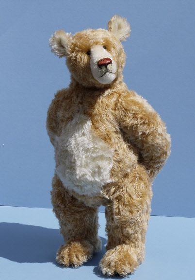 One of the top teddy bear artists: Gregory Gyllenship.  He makes the most amazing bears. (photo courtesy of Hugo's House)