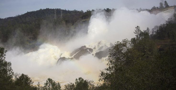 Lake Oroville timeline – $100 million in damage, evacuees returning but more rain on the way – Los Angeles Times #data #desk, #los #angeles #times, #latimes, #l.a. #times http://uganda.remmont.com/lake-oroville-timeline-100-million-in-damage-evacuees-returning-but-more-rain-on-the-way-los-angeles-times-data-desk-los-angeles-times-latimes-l-a-times/  # Water rushes down a spillway as an emergency measure at the Oroville Dam. (Brian van der Brug / Los Angeles Times) Lake Oroville timeline $100…