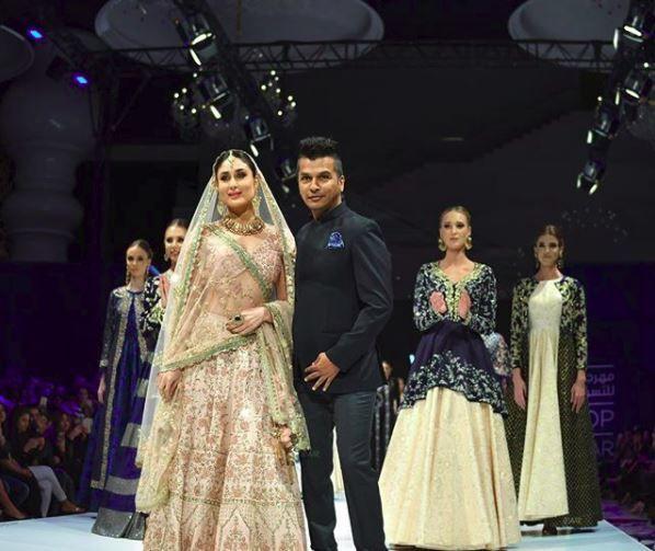 Kareena Kapoor Khan Looking Like A Goddess In Gold For Designer Vikram Phadnis In Doha Vikram Phadnis Kareena Kapoor Khan Fashion