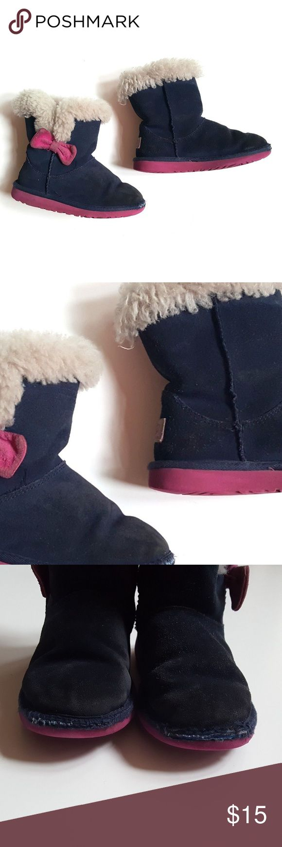 UGG Australia 13 Little Girls Kourtney Boots PLAY UGG Australia Little Girls Kourtney Boots Navy Blue Magenta Bow F27115  Size 13 Little Girls   Condition:  PLAY condition with toe wear, some matting to the fur and dingy bows.   My items come from a smoke-free household, we do have a kitty, so an occasional hair may occur! UGG Shoes Boots