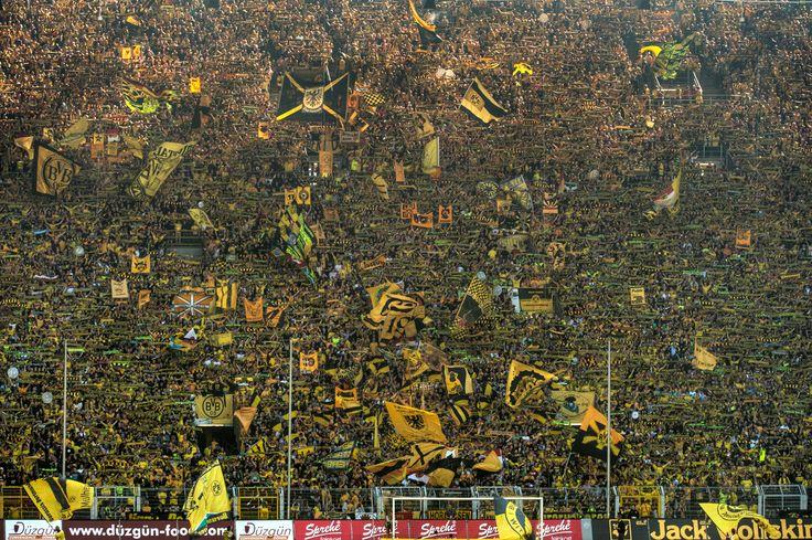 Westfalenstadion (die Gelbe Wand), Dortmund