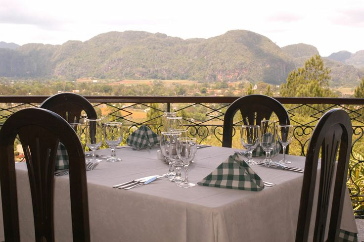 Vuoi pranzare davanti allo spettacolo della Valle de Viñales?