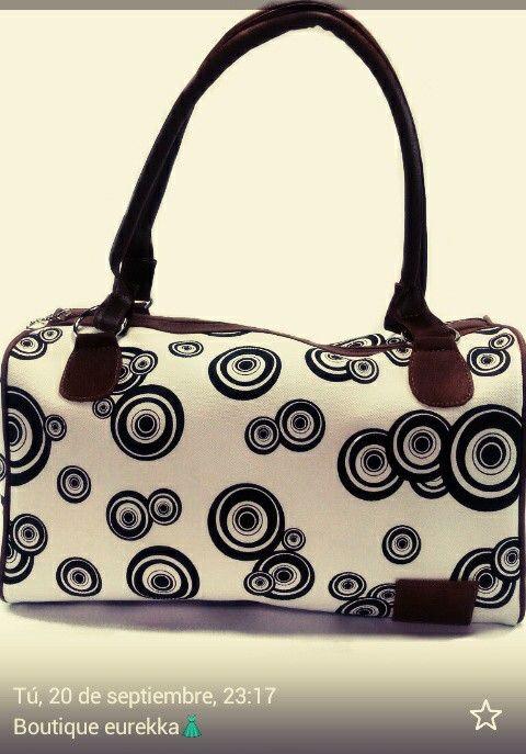 Hermoso bolso baúl de figuras  amplio y cómodo. Diseños hilder bañol