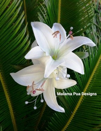 WEDDING HAIR ACCESSORY - Cream White Lilies, Custom Headpiece, Silk Flower Clip, Bridal Hair Flowers, Hawaiian Flowers, wedding hair flower by MalamaPua on Etsy