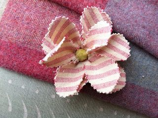 How to make a little applique flower - Susie Watson Designs