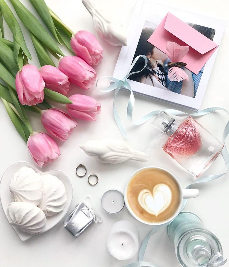 Идея для фото в инстаграм. Flatlay весна, вдохновение, раскладка весенняя, кофе, цветы #фото #flatlay #instagram