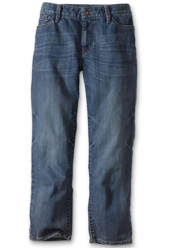 Bund leicht unterhalb der Taille, schlank an Hüfte und Oberschenkeln,  Eine unserer beliebtesten Caprihosen aus angenehm elastischem Denim. Im klassischen Five-Pocket-Stil.  99% Baumwolle, 1% Elasthan (in Blue Vintage).  98% Baumwolle, 2% Elasthan (in Blue Haze und Weiß).   Maschinenwäsche.  Fußweite ca. 34 cm, Schrittlänge ca. 61 cm....