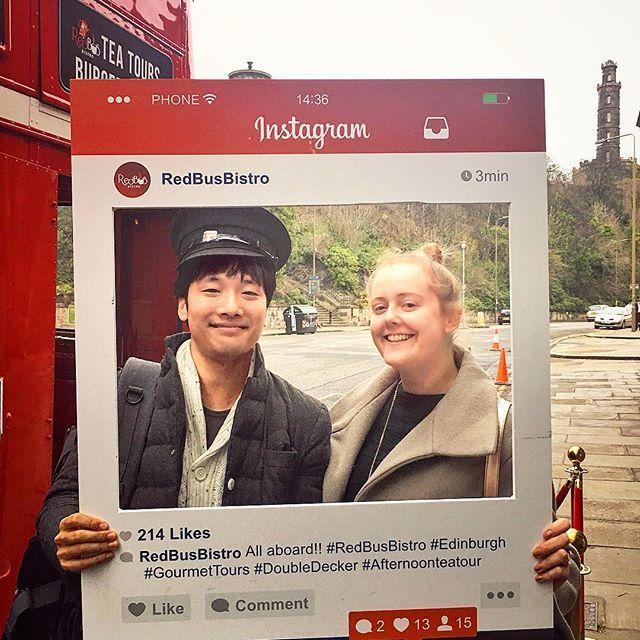 버스기장 모자쓰고..  It was such a nice day with @redbusbistro .  .  .  Thanks to   @woody_and_buddy_rock_my_world and @woodys_buddy so much gave us such a nice time xxx  .  .  .  #hamburger on the #bus #sightseeing #edinburgh #scotland #uk #royalmile   #버스 타고 #햄버거 와 #프로세코 #prosecco #에든버러 #에딘버러 #버스투어 #스코틀랜드 #영국  .  .  #redbusbistro #gourmettour #gourmettours #doubledecker #afternoonteatour  .  .  .  #태그파티 #interracial #국제커플 #영국여자 #한국남자 #한남 #internationalcouple #국제결혼