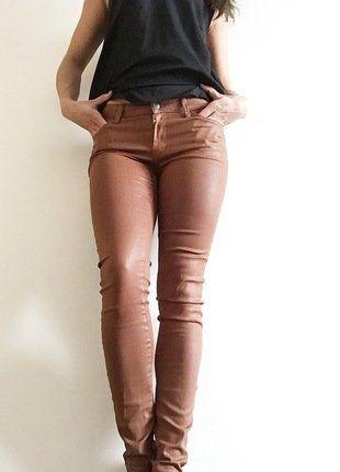 Kupuj mé předměty na #vinted http://www.vinted.cz/damske-obleceni/kozene-kalhoty/14855494-kalhoty-z-imitace-kuze-znacka-mango