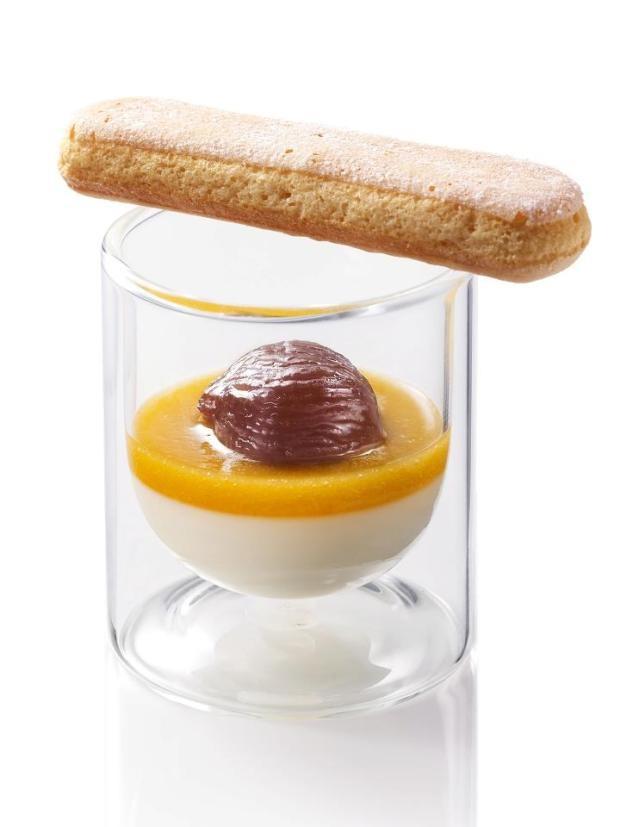 panna cotta au lait concentré, compotée d'abricots et marrons