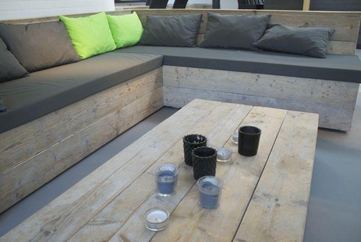 Houten loungebank voor een kantine of in de tuin. #loungebank