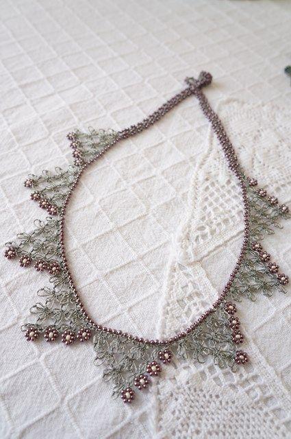 ボンジュックイーネオヤのネックレス
