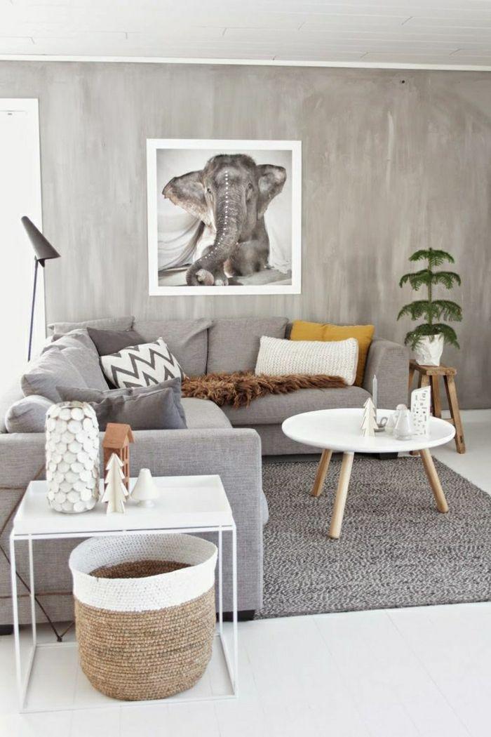 Elefant Zeichnung an der Wand - korrespondiert mit den grauen Nuancen des Wohnzimmers