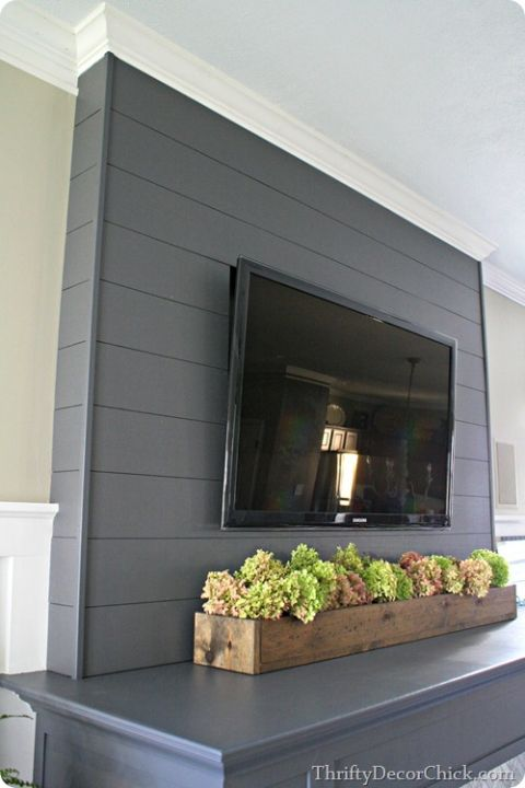 Decorating with wood planks thrifty decor chick thrifty Corner fireplace makeover ideas
